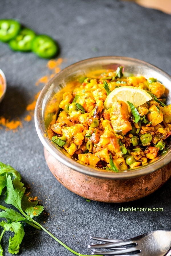 Flavorful Indian cauliflower and Green Pea Dry Curry - Vegan and Gluten Free | chefdehome.com
