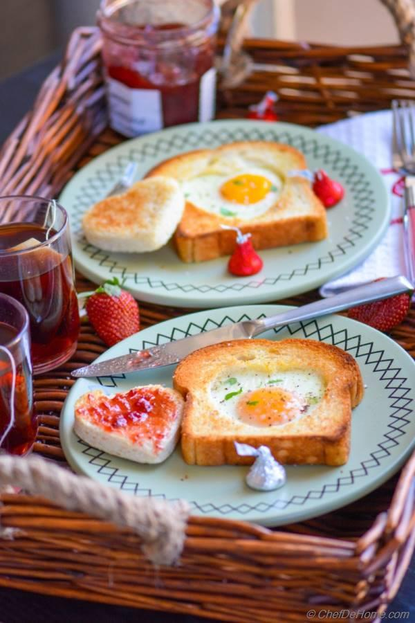sunny side up egg-heart toasts for valentine's day breakfast, Ideas