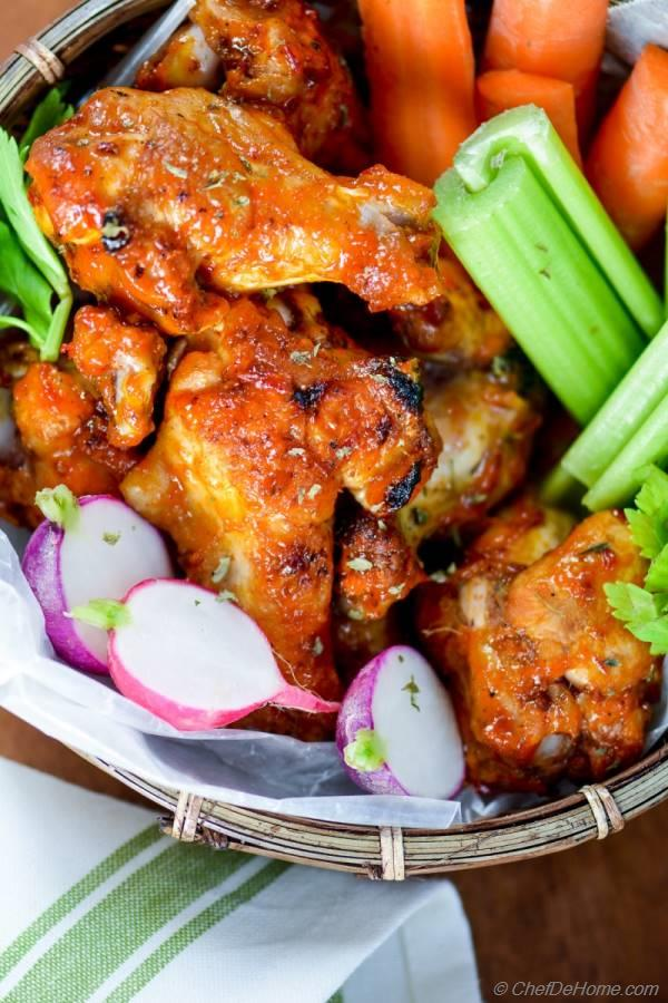 Wings Across America: Outrageously Delicious Chicken-Wing Recipes: Outrageously Delicious Chicken Wings Recipes [Armand Vanderstigchel] on auto-reaction.ml *FREE* shipping on qualifying offers. Including the story behind the first buffalo wings, an amusing collection offers basic instructions on preparing wings.