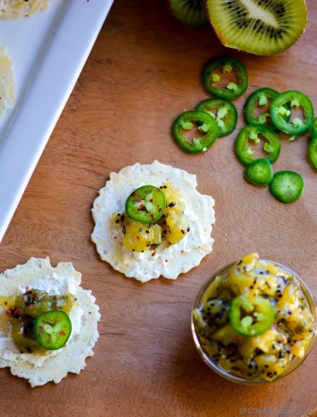Kiwi Jalapeno Chutney Bites