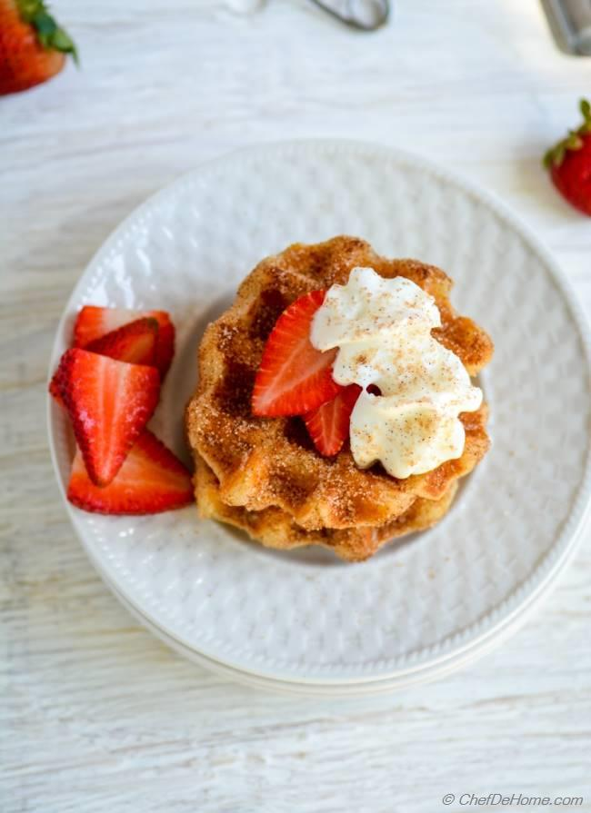 Egg Free Cinnamon Sugar Waffles with Strawberries for Breakfast | chefdehome.com