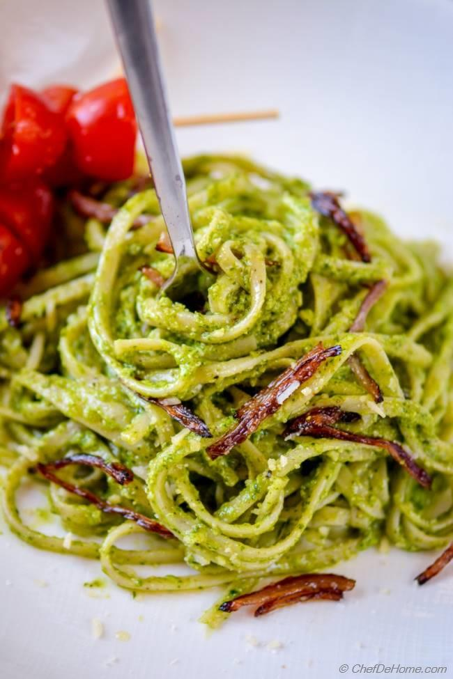 Basil Pesto Pasta with Caramelized Onion and Cherry Tomatoes | chefdehome.com