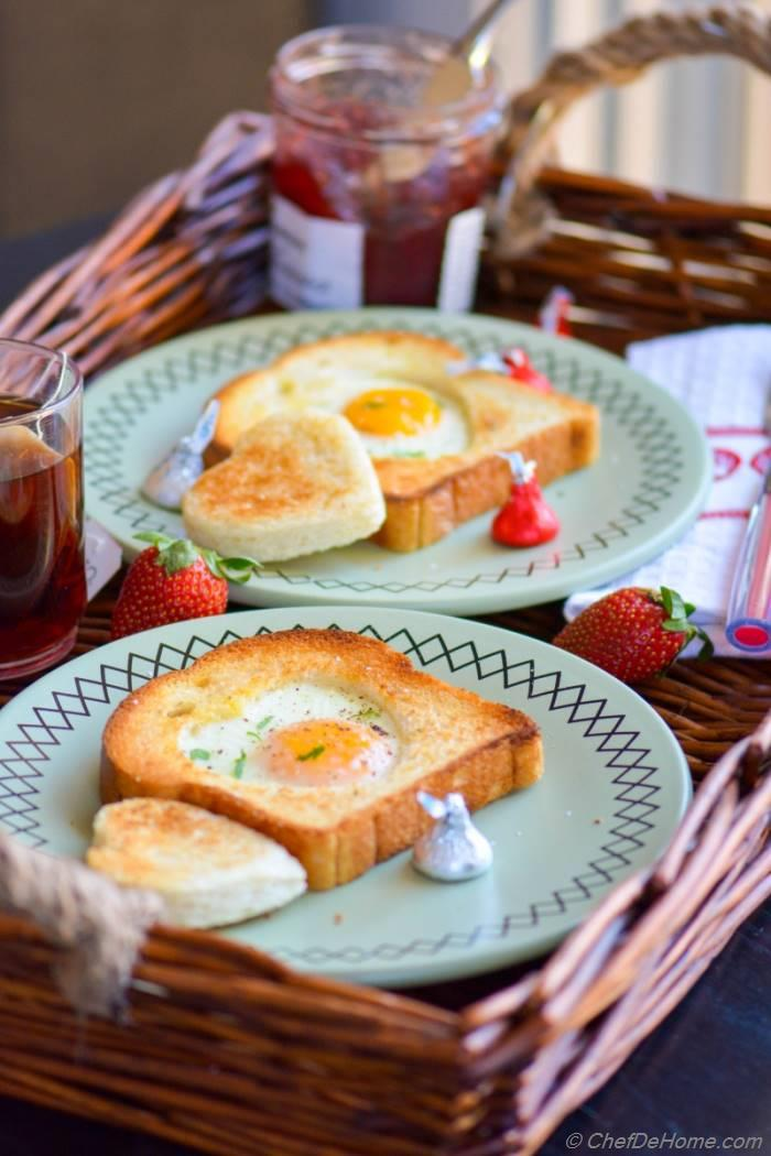 Sunny Side up Egg-Heart Toasts For Valentine's Day Breakfast ...