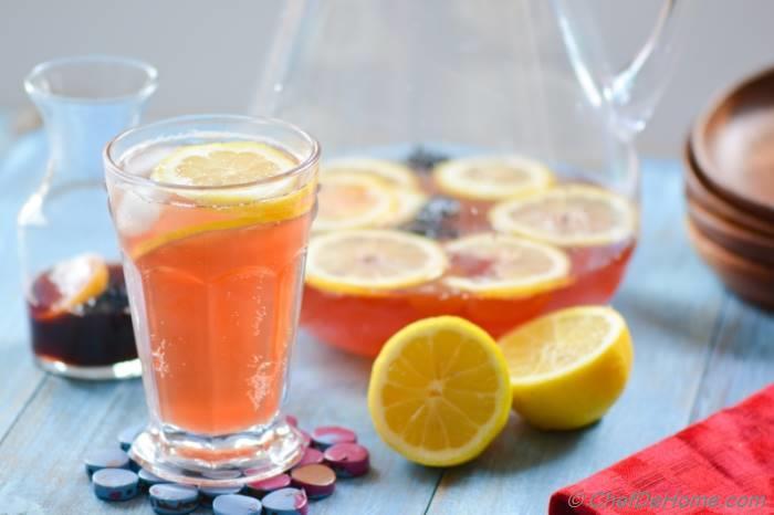 Sparkling Hibiscus Lemonade
