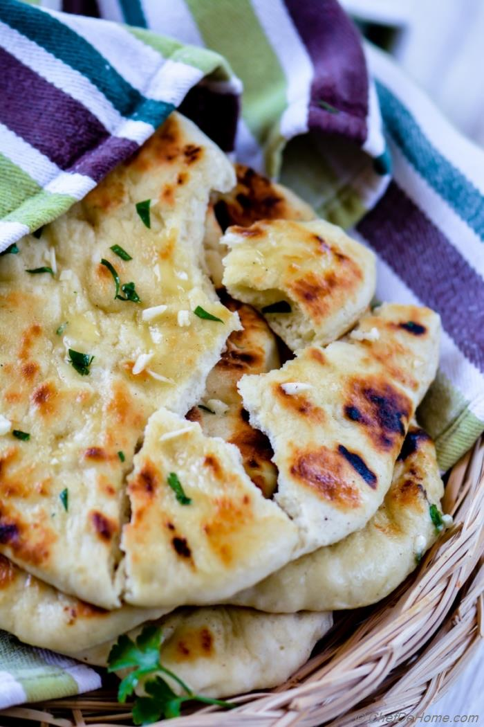 Homemade No Yeast Garlic Butter Naan Recipe Chefdehome Com