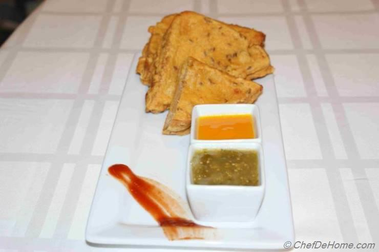 Potato Stuffed Bread Pakora