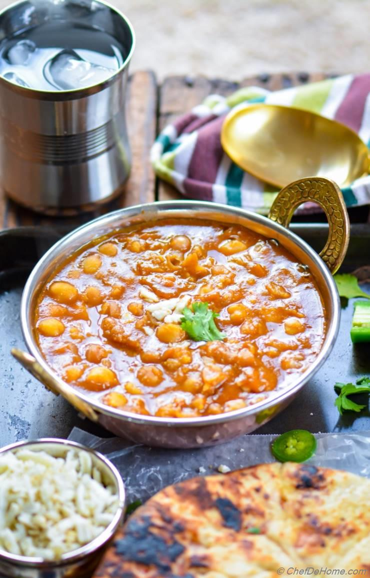 Vegan chickpea curry in pressure cooker recipe chefdehome vegan chickpea curry in pressure cooker forumfinder Images