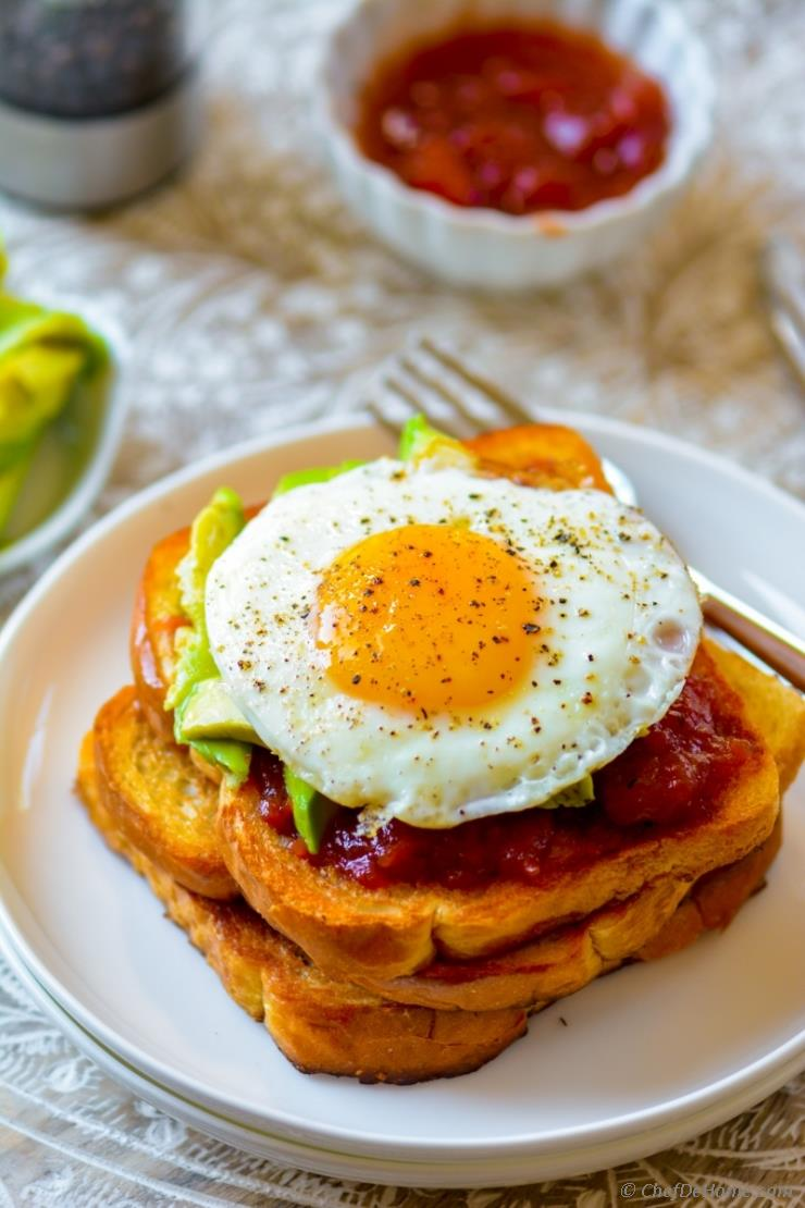 Avocado Fried Egg Toast with Tomato Jam