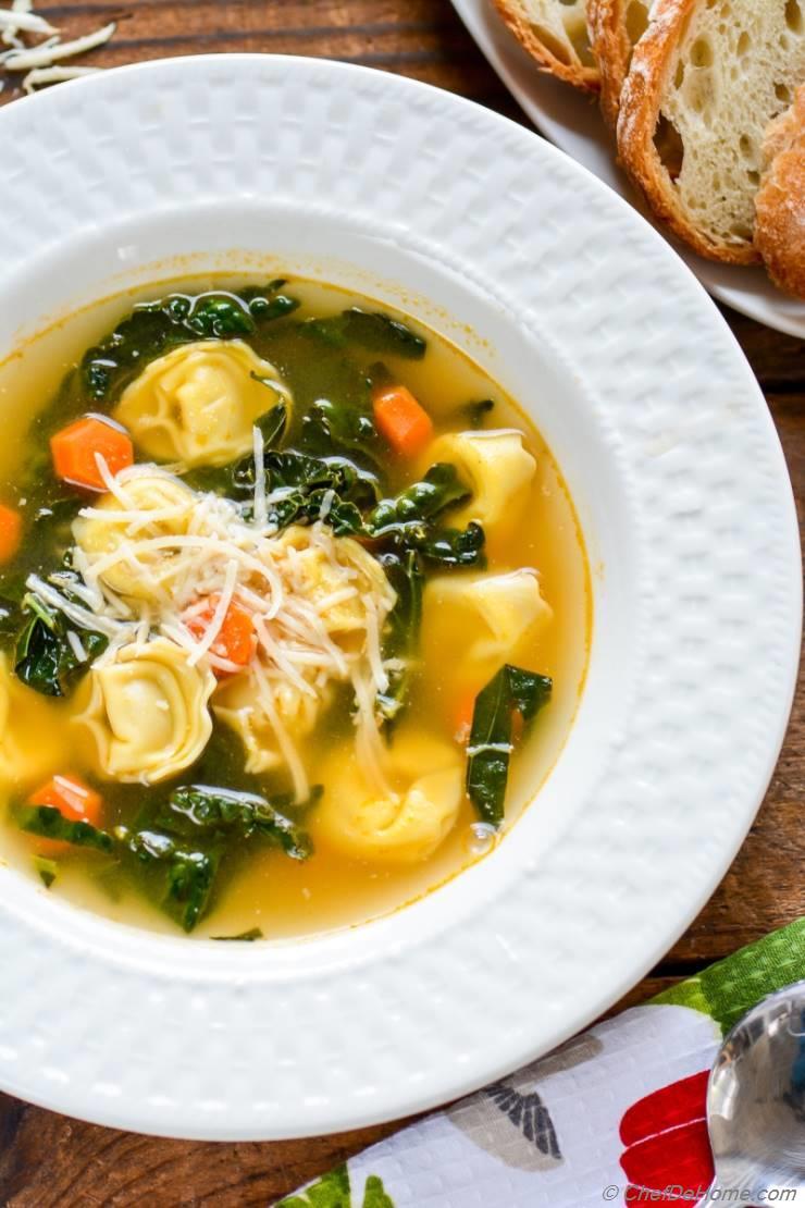 15 Minutes Easy Kale Tortellini Soup