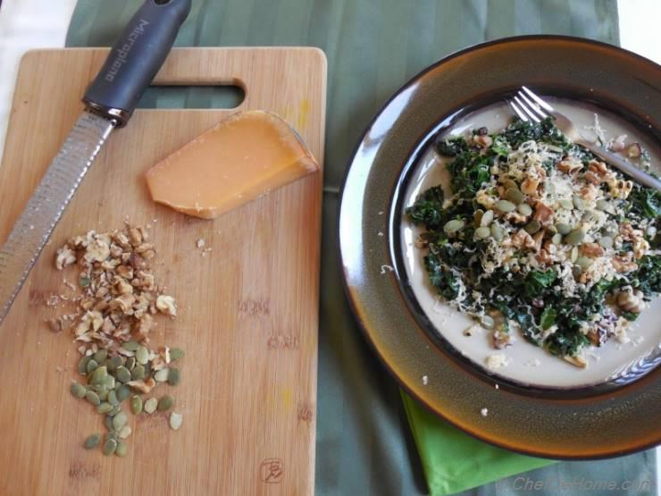 Kale Salad with Uniekaas Reserve and Walnuts