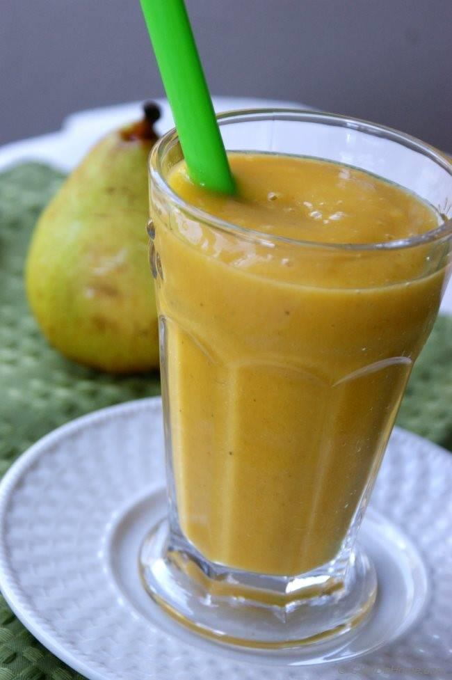 Mangolicious Mango-Pear Smoothie