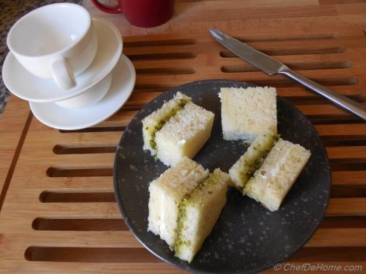 Pesto and Cream Cheese Sandwich