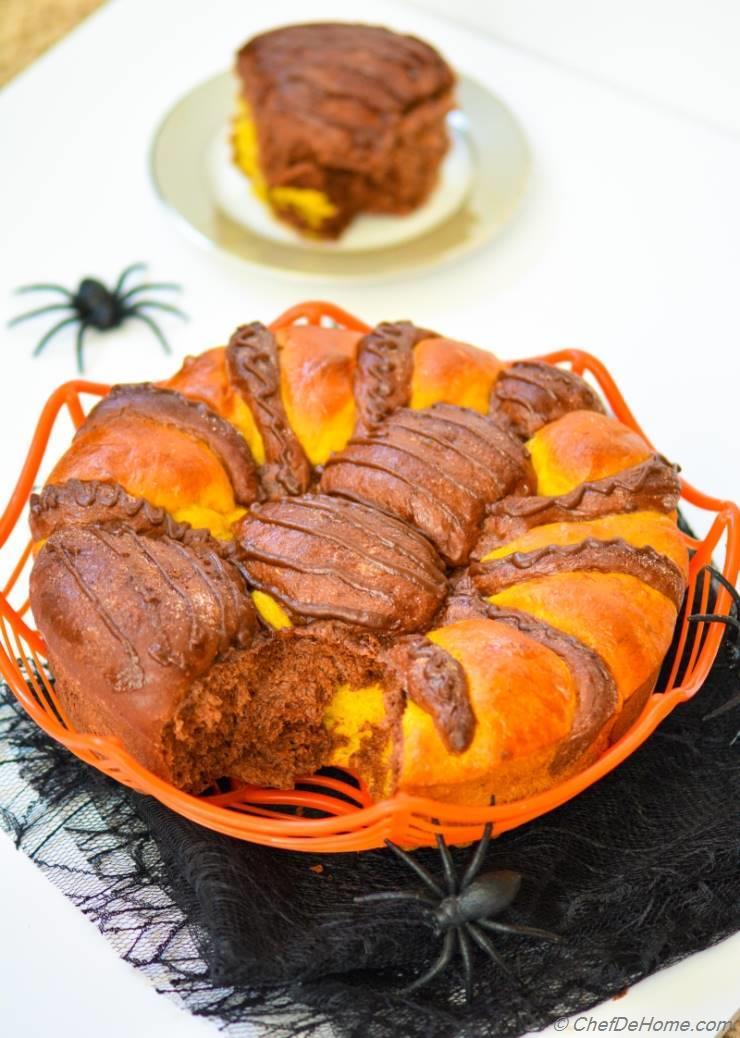 Spiced Pumpkin-Chocolate Pull-apart Spider Brioche Bread