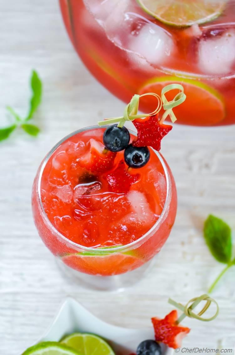 Refreshing Mexican cocktail Strawberry Agua Fresca for Red White and Blue Theme Party | chefdehome.com