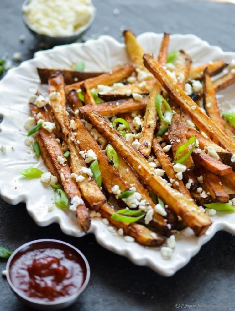 Crispy Baked Fries Seasoned with Chipotle and Feta Low-Oil Low-Calories Gluten Free | chefdehome.com