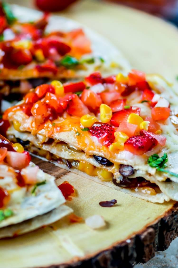 Layered Quesadilla with Honey BBQ Chicken and Salsa | chefdehome.com