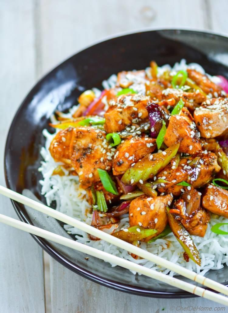 Panda Express takeout style Chinese Black Pepper Chicken with flavorful black pepper sauce | chefdehome.com