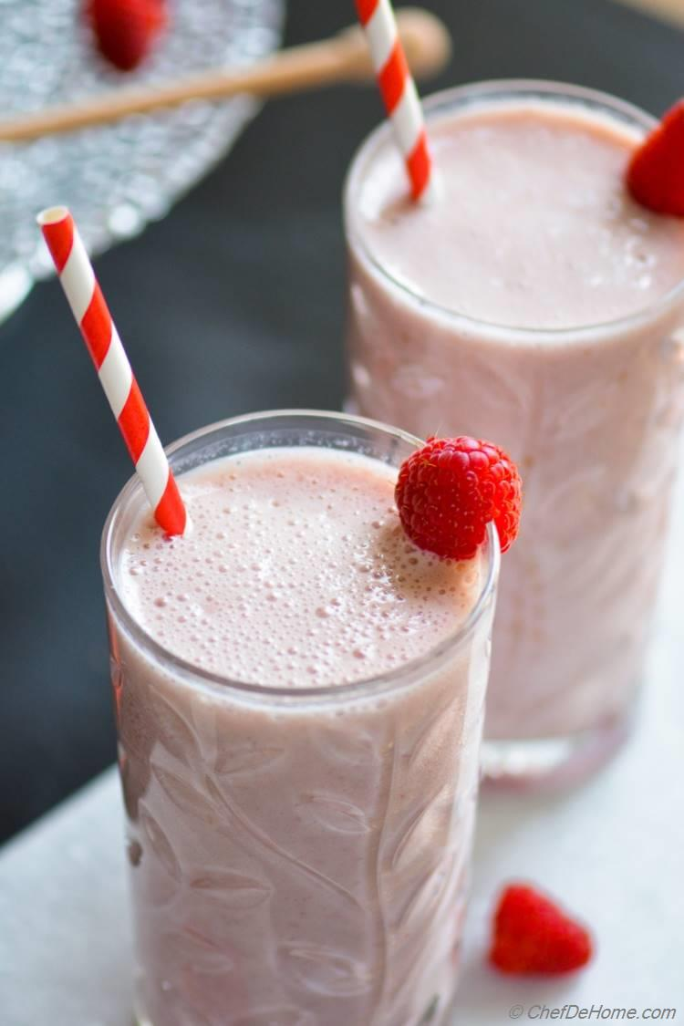 Healthy Breakfast with Nestle Carnation Breakfast Shake Drink Mix | chefdehome.com