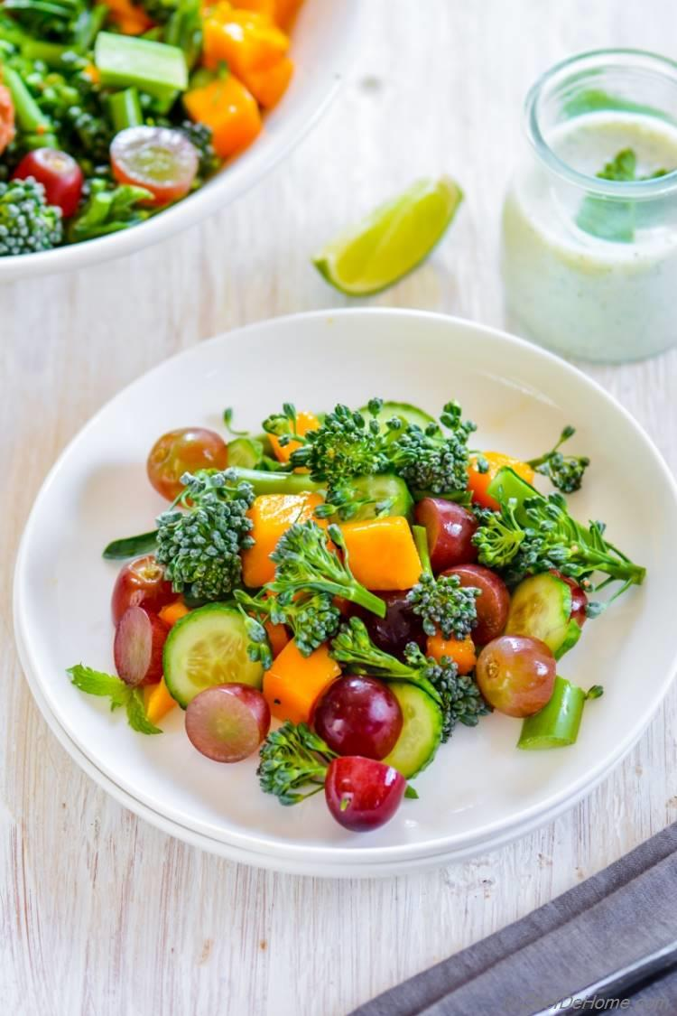 Healthy carb free no fat Broccoli and Grape Salad with juicy mango and buttermilk dressing | chefdehome.com