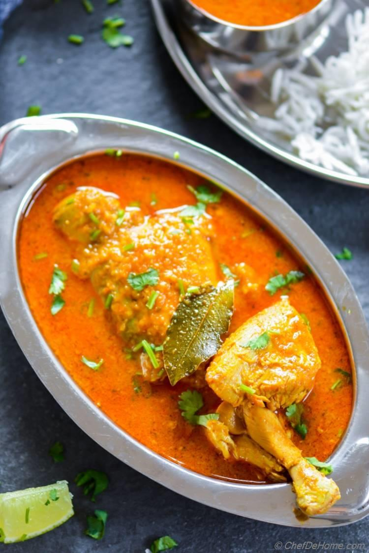 Easy Chicken Madras Curry Recipe made with coconut milk curry powder and flavored with tamarind paste | chefdehome.com