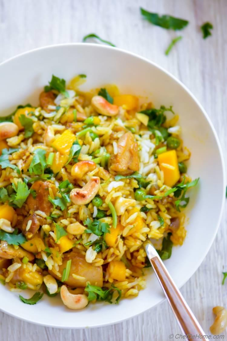 Easy Mango Curry Chicken and Rice | chefdehome.com