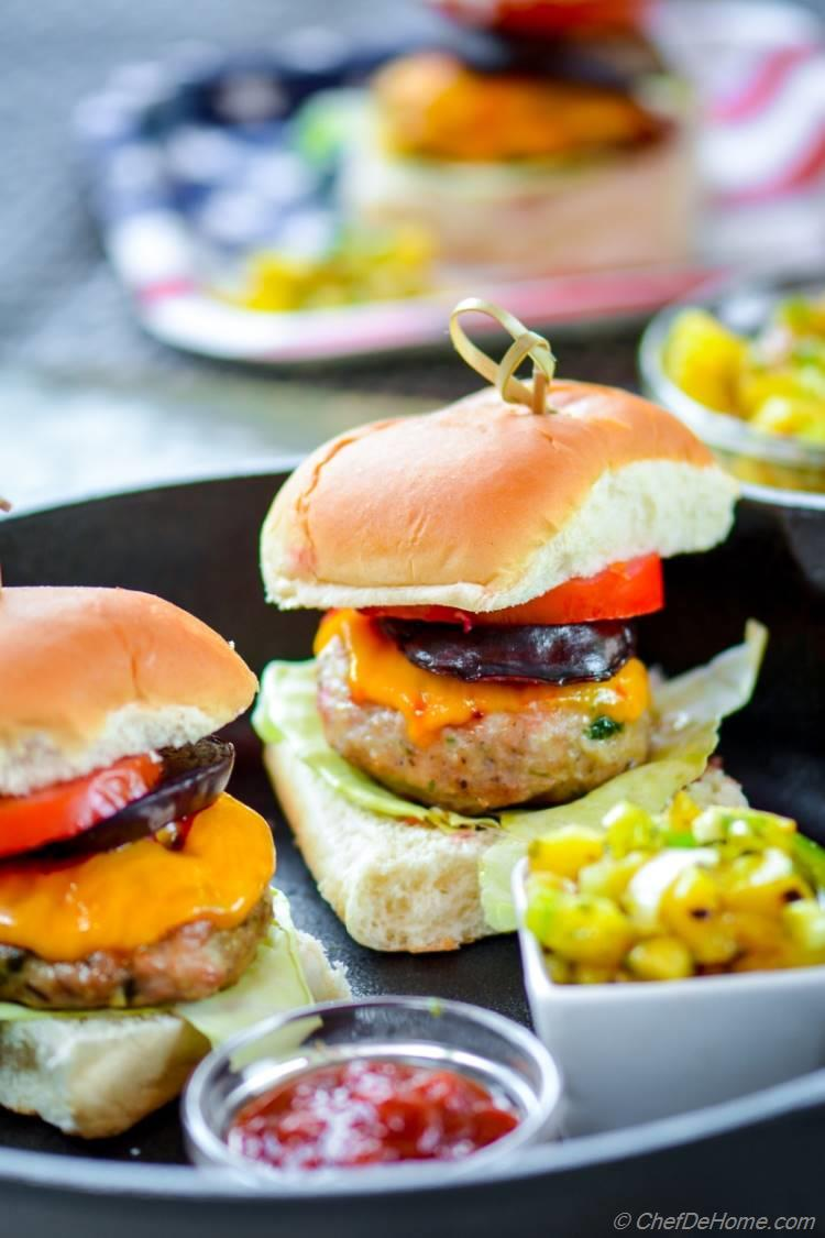 Grilled Chicken Sliders for Easy Summer Family Meal | chefdehome.com