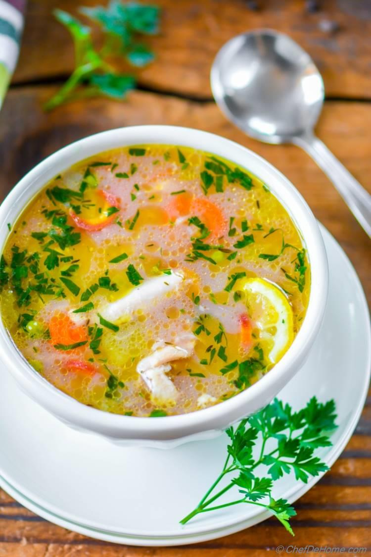 Healthy Gluten free lemon Chicken and Rice Soup in pressure cooker | chefdehome.com