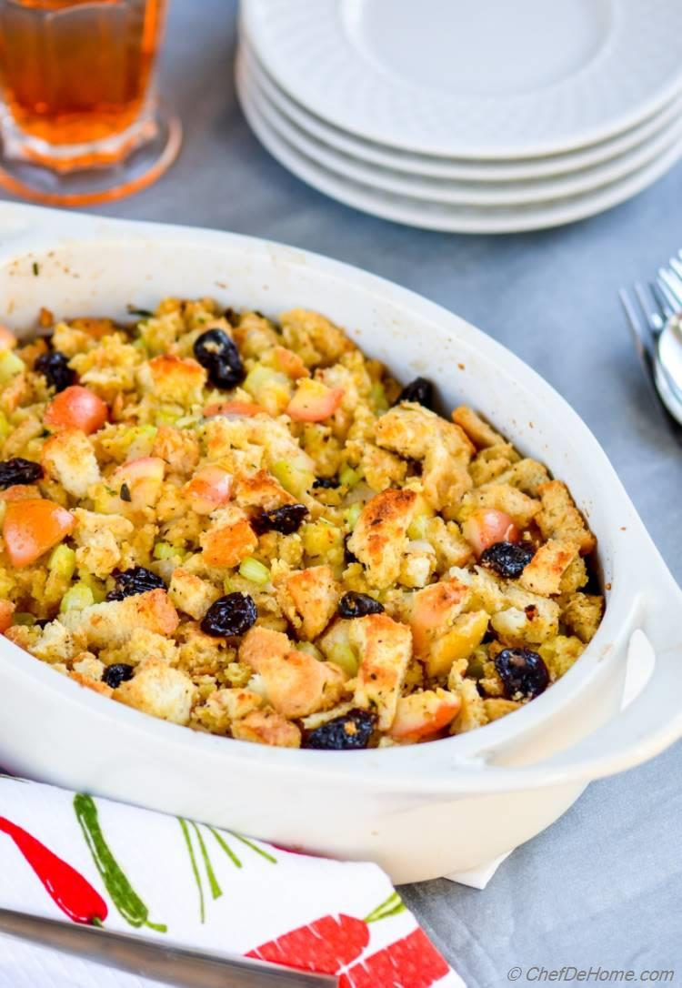 Homemade Cornbread Stuffing with Apples