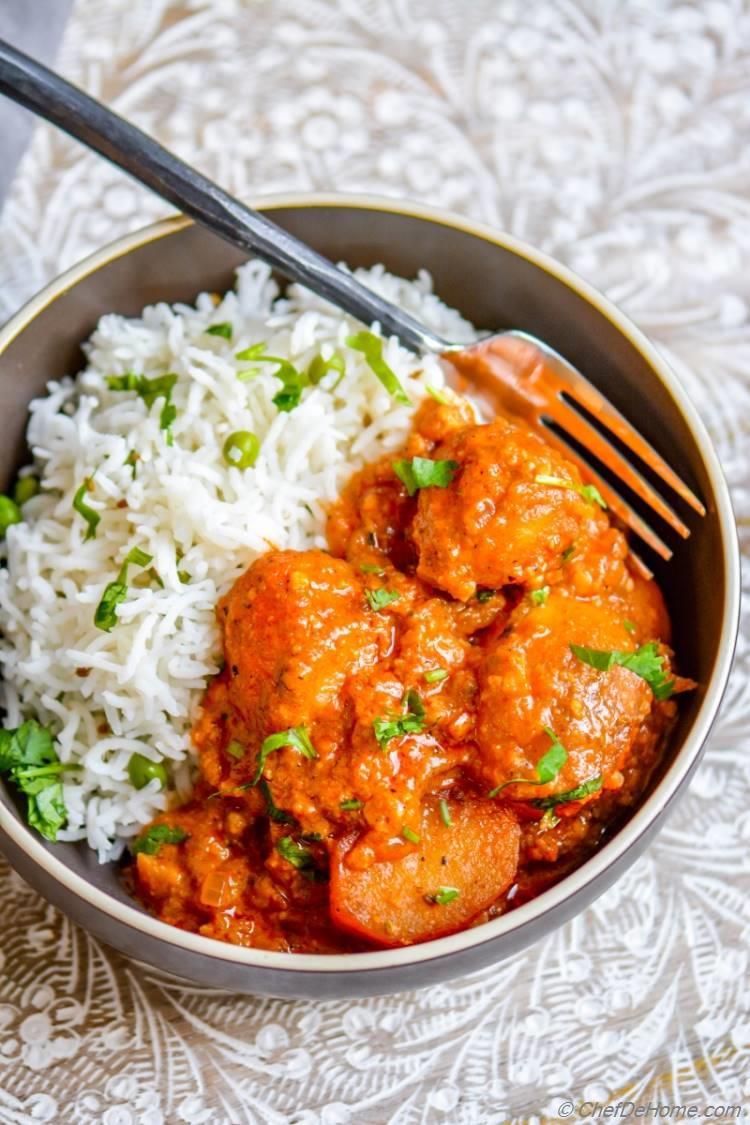 Authentic Kashmiri Dum Aloo | chefdehome.com