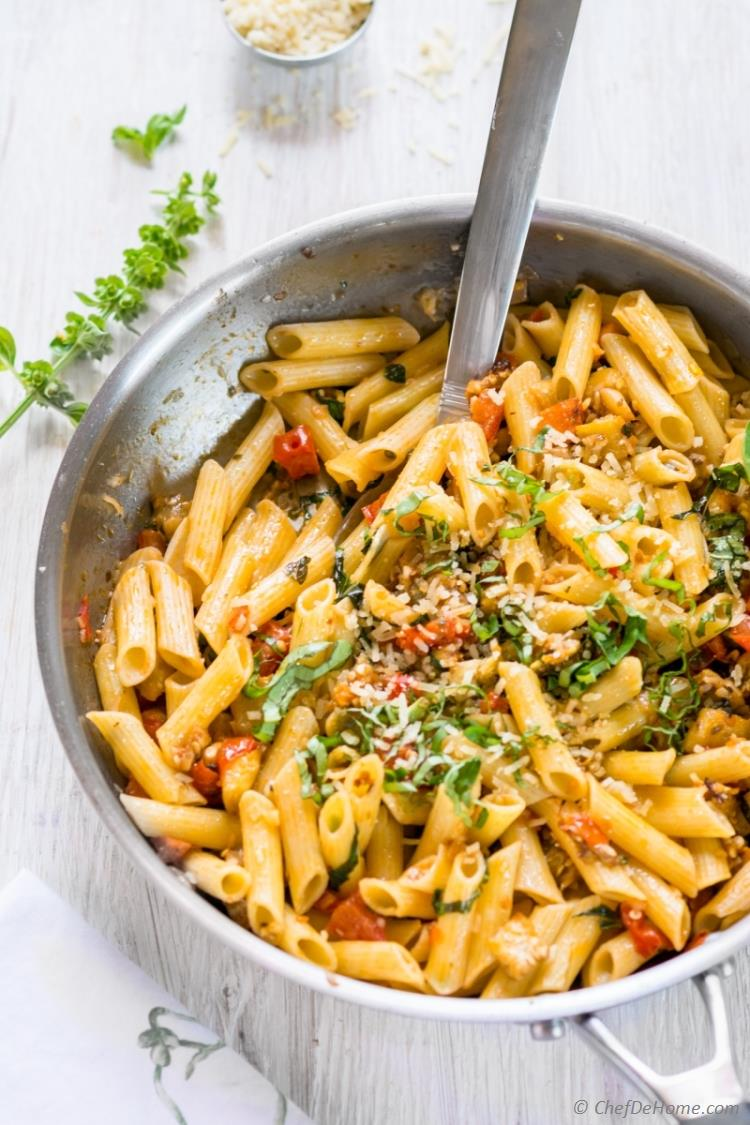 Roasted Eggplant and Tomato Penne Pasta | chefdehome.com