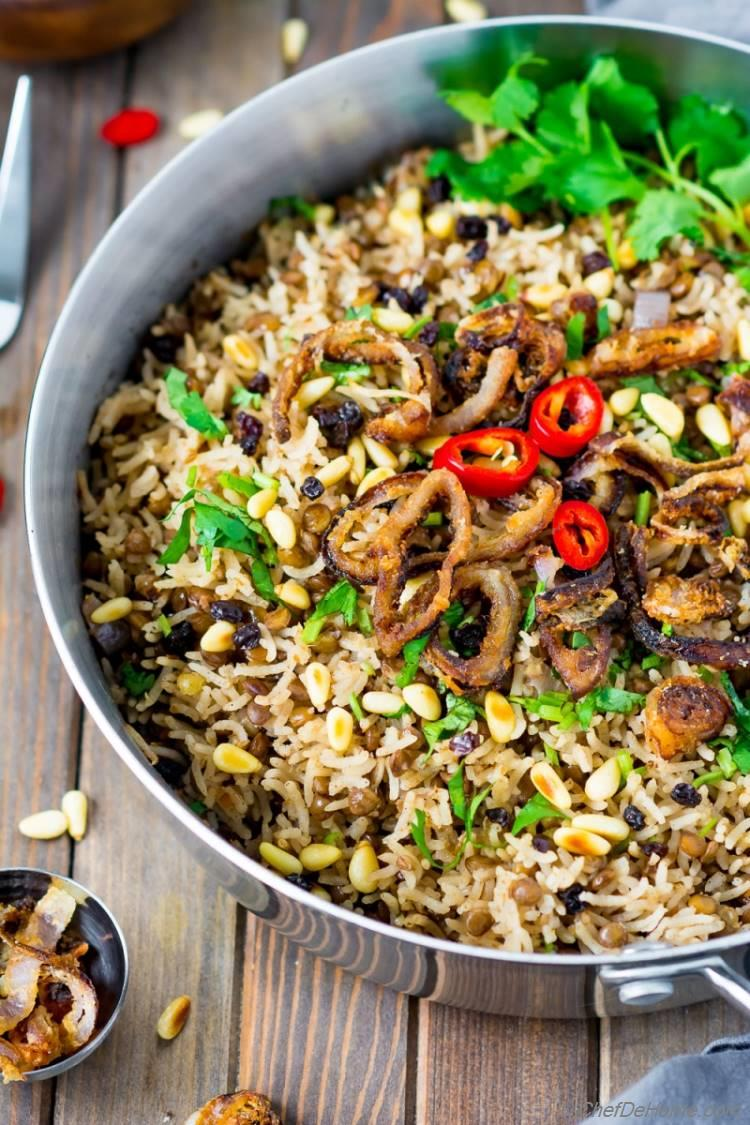 Mujadahar Lentils and Rice Pot with Fried Onions