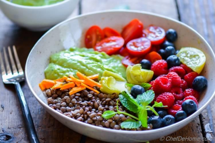 Healthy Lentil Salad with berries and artichokes for healthy summer skin glow | chefdehome.com