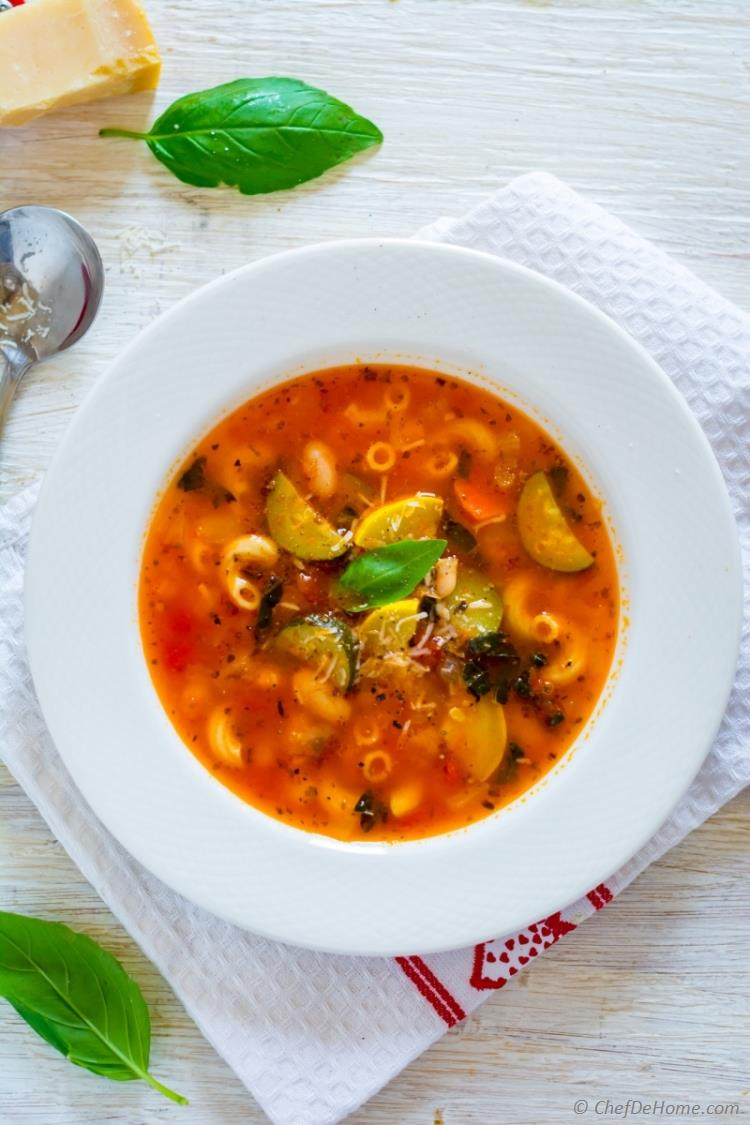 One Pot Vegetarian Minestrone Soup with summer squash and zucchini