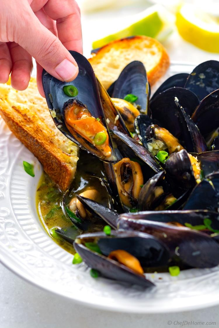 Learn to Cook Mussels Buttery Delicious