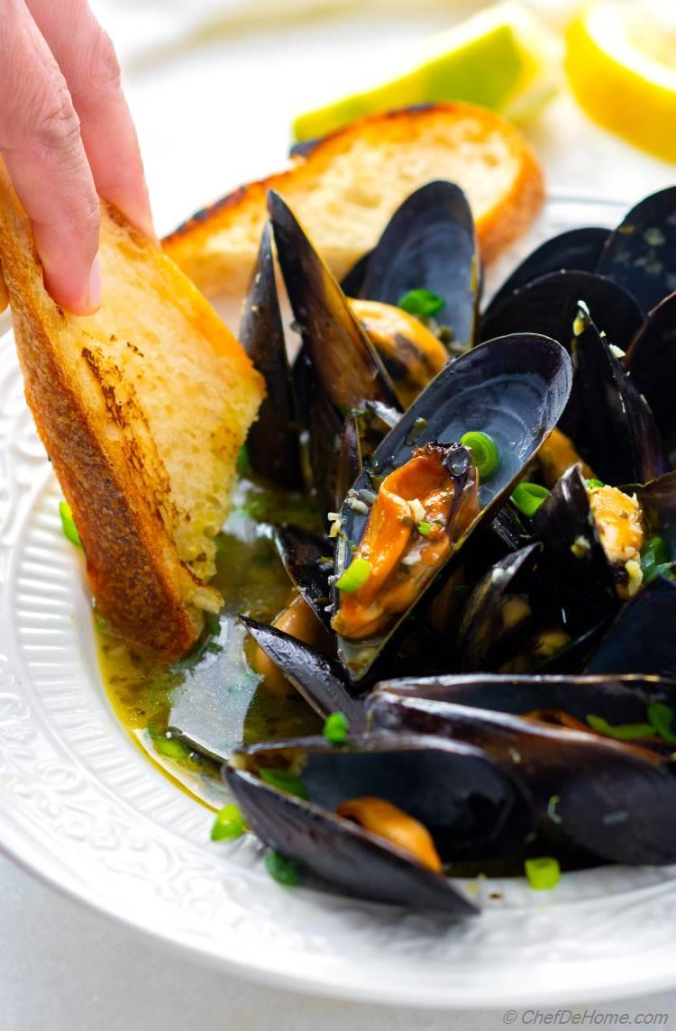 White Wine Mussels with Bread