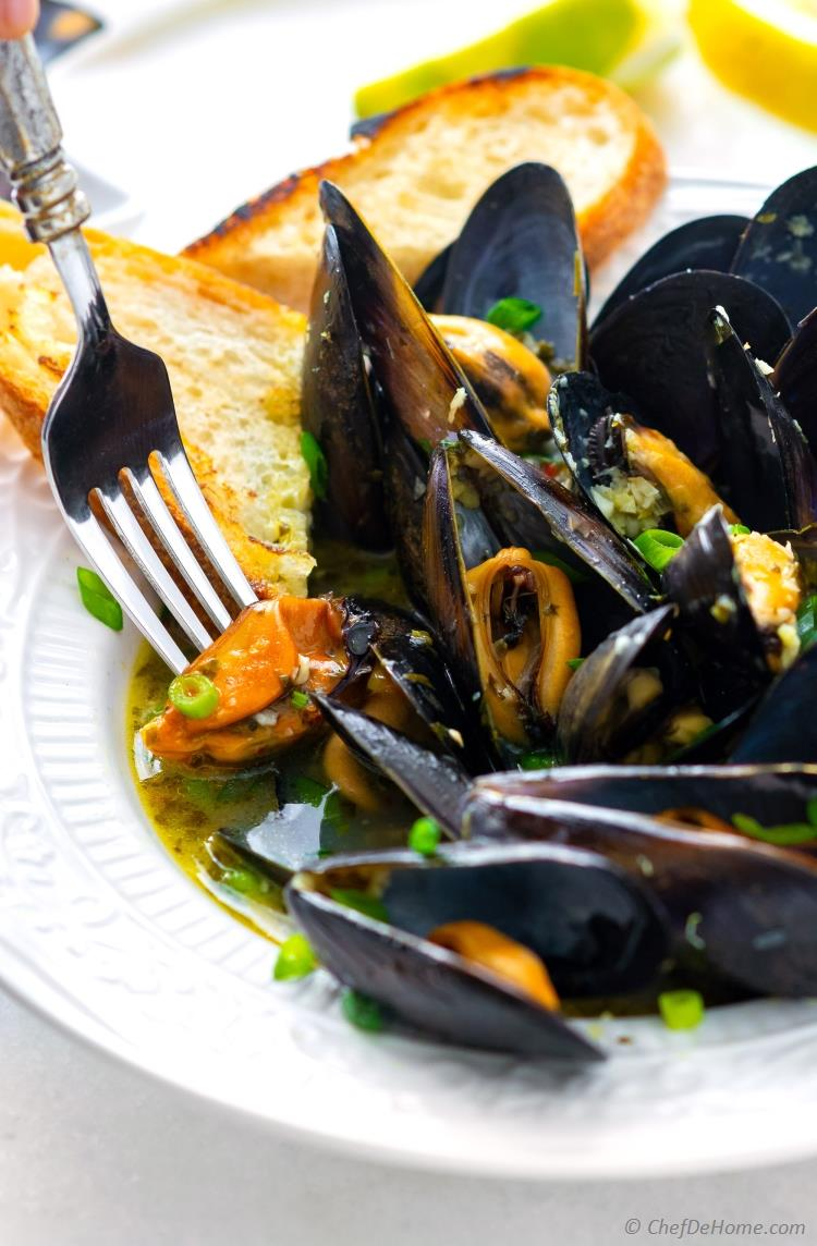 Mussels Bowl White Wine Sauce