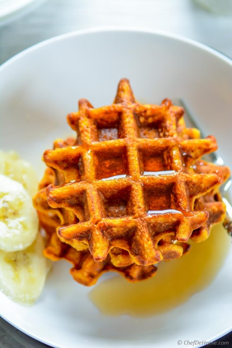 Heart Healthy Sweet Potato Oats Breakfast Waffles with Banana and Maple Syrup | chefdehome.com