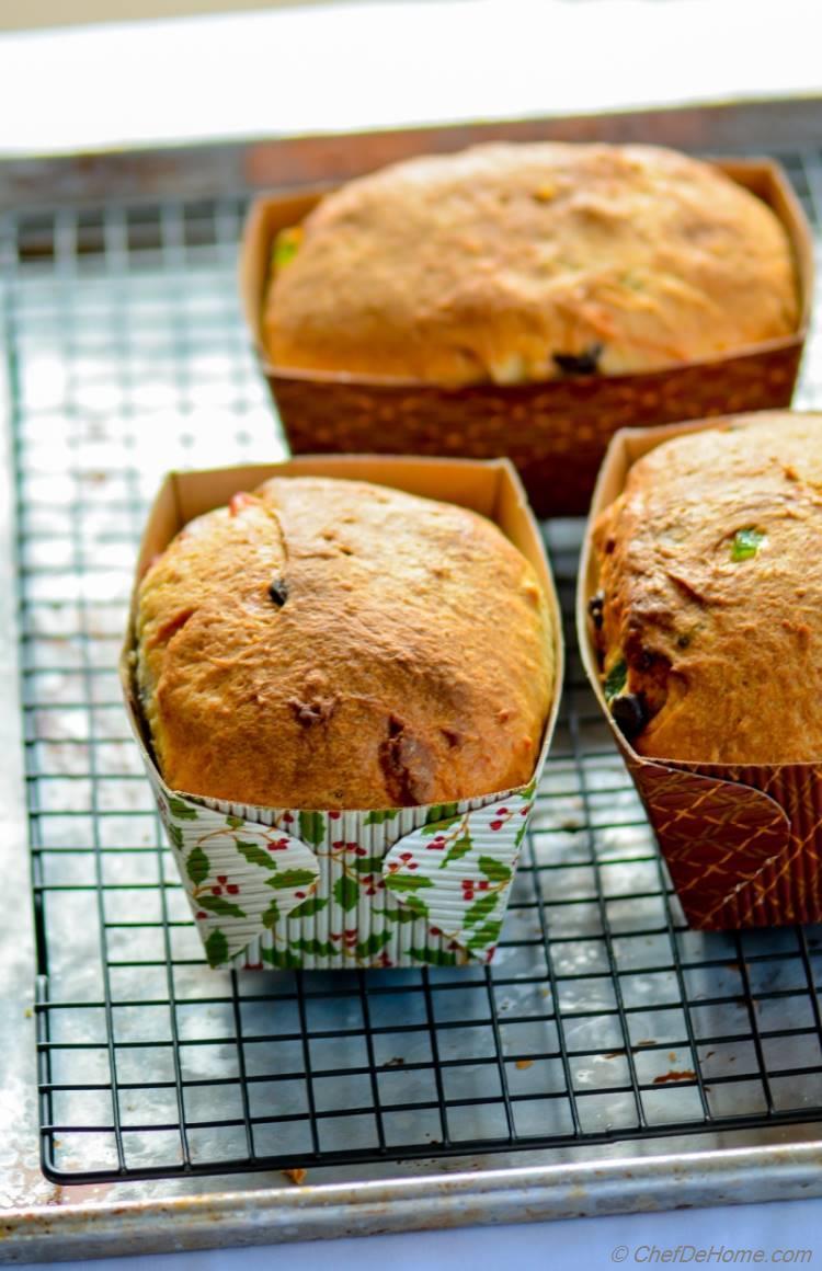 Freshly Baked Mini Italian Panettone Cakes for Christmas Gifting | chefdehome.com