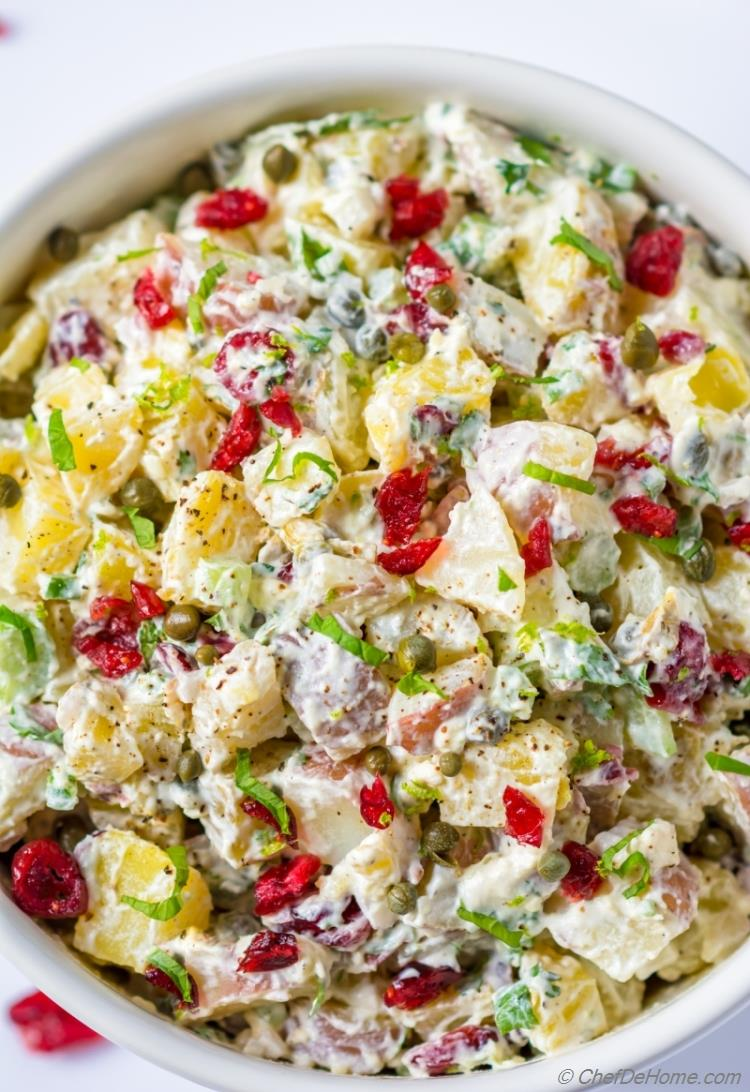 Red skin potato salad with creamy no-mayo potato dressing | chefdehome.com