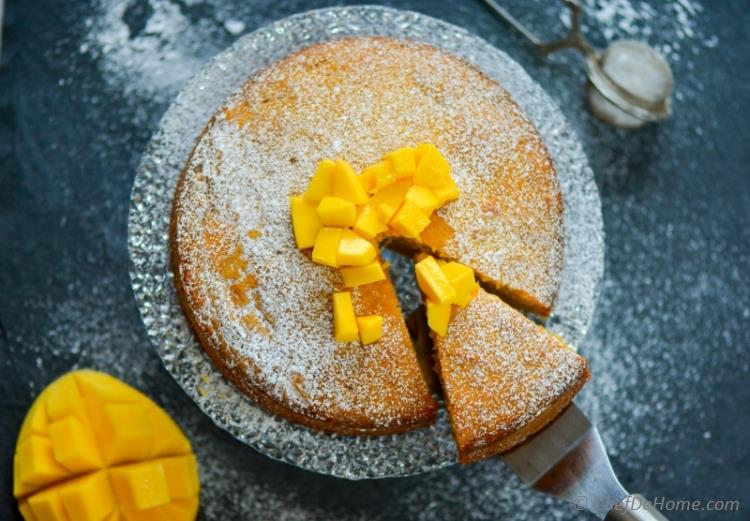 Moist Mango and Coconut Pound Cake | chefdehome.com