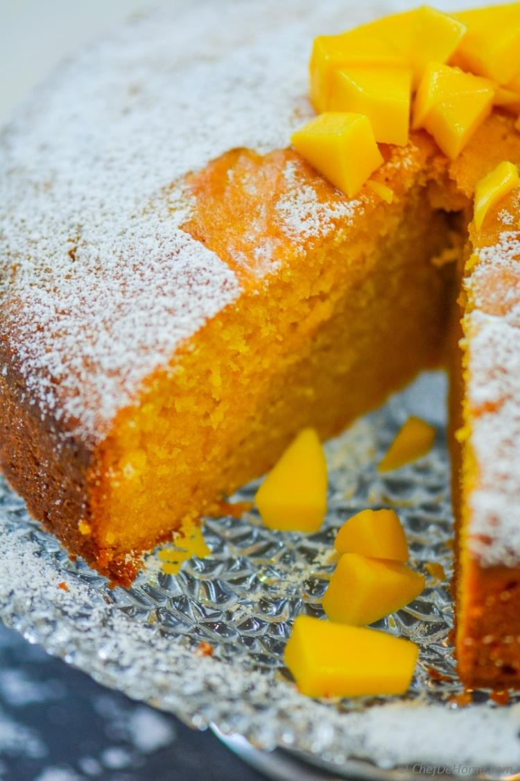 Moist and Rich Mango Pound Cake for Family | chefdehome.com