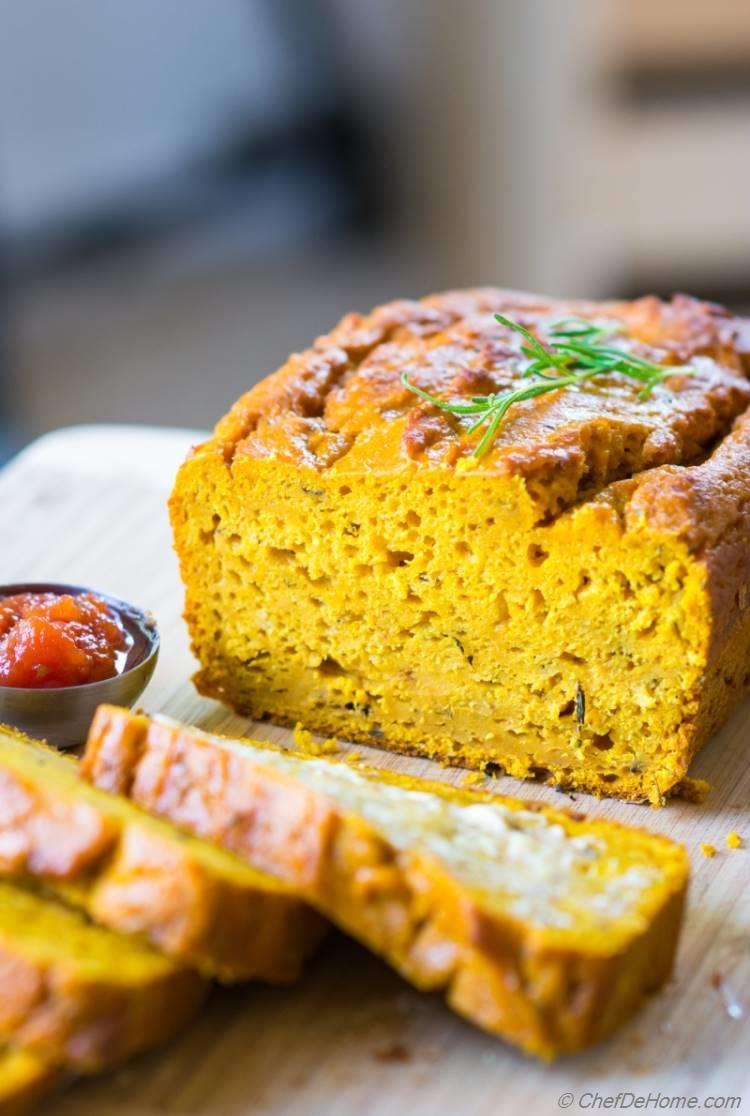 Sliced Loaf of moist Pumpkin Bread serve with soup or spread some butter for breakfast | chefdehome.com
