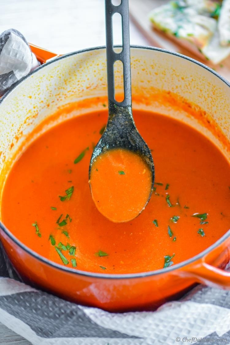 Creamy yet vegan and low-oil Roasted Red Pepper Soup | chefdehome.com