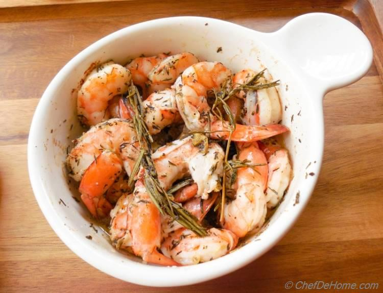 Roasted Garlic-Rosemary Shrimp, an easy fall dinner in just 25 minutes!