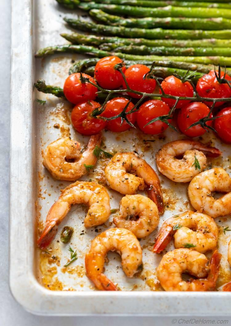 Tasty Garlic Shrimp and Asparagus with Pan Lemon Sauce Dressing