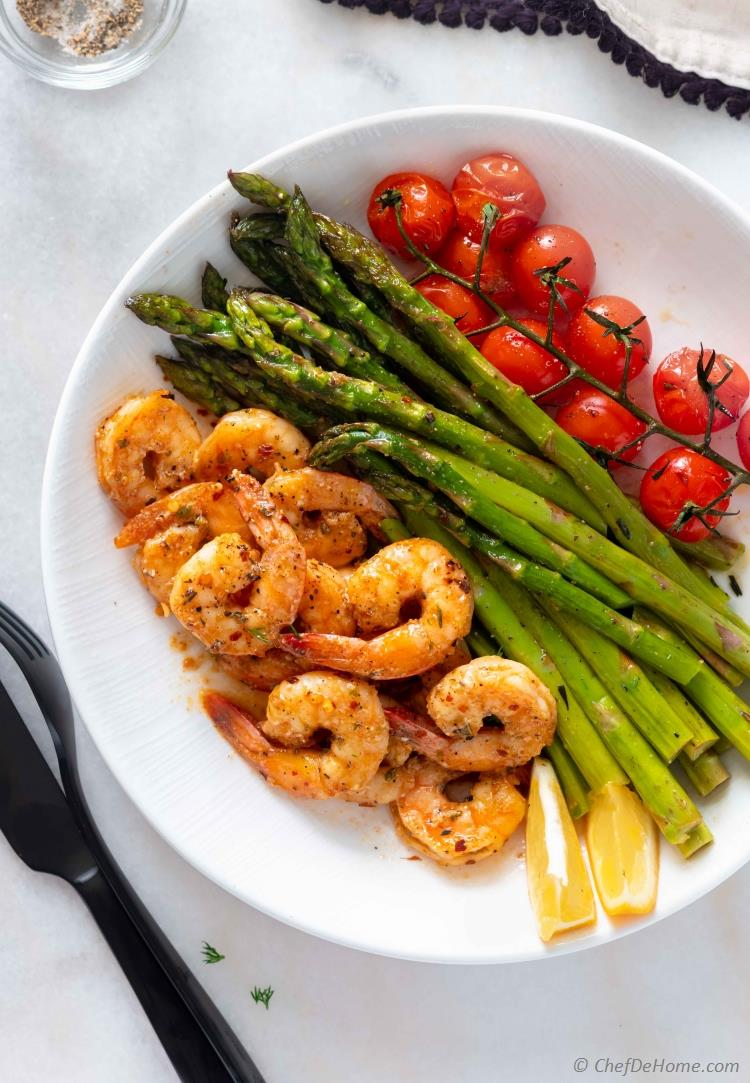 Keto Dinner with Shrimp and Asparagus