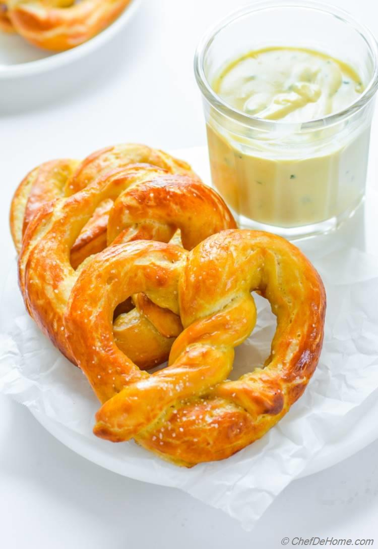 Soft Pretzels served with Beer Cheese Sauce   chefdehome.com