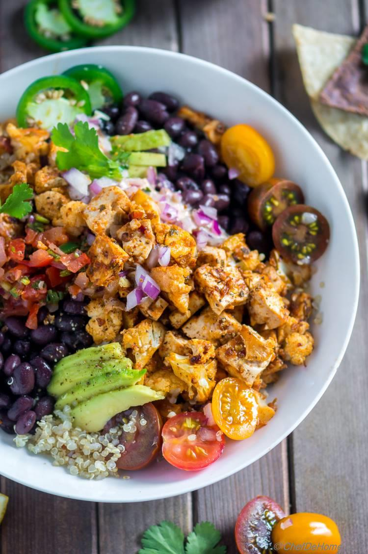 Spicy Veggie Quinoa Bowl